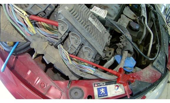 Как подключить осциллограф-Выходное напряжение-Peugeot-207 2006-2014 : Image 1