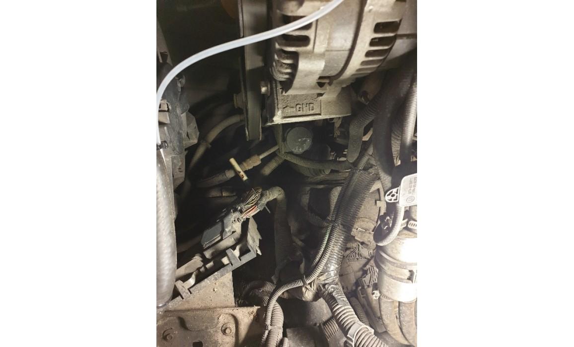 Как подключить осциллограф-Выходное напряжение-Cadillac-Escalade 2007-2014 : Image 1