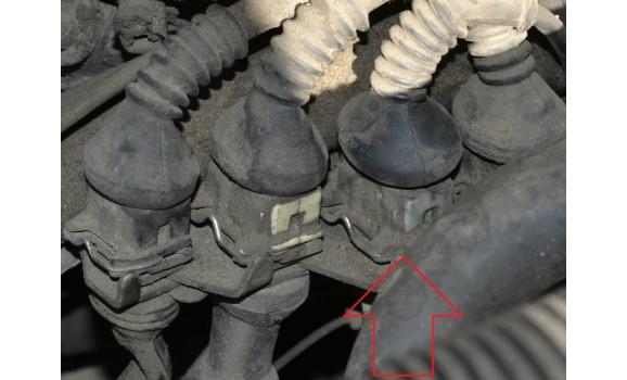 Точки подключения щупов - Сигнал ДПКВ + ДПРВ - Audi - A6 (C4) 1994-1997 : Image 2