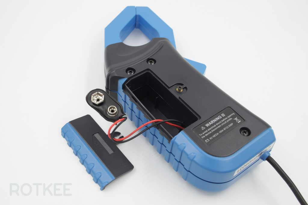 токовые клещи Hantek CC-650 отсек для батареи